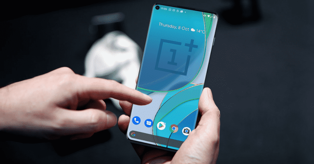 oneplus 9 pro being used in hand